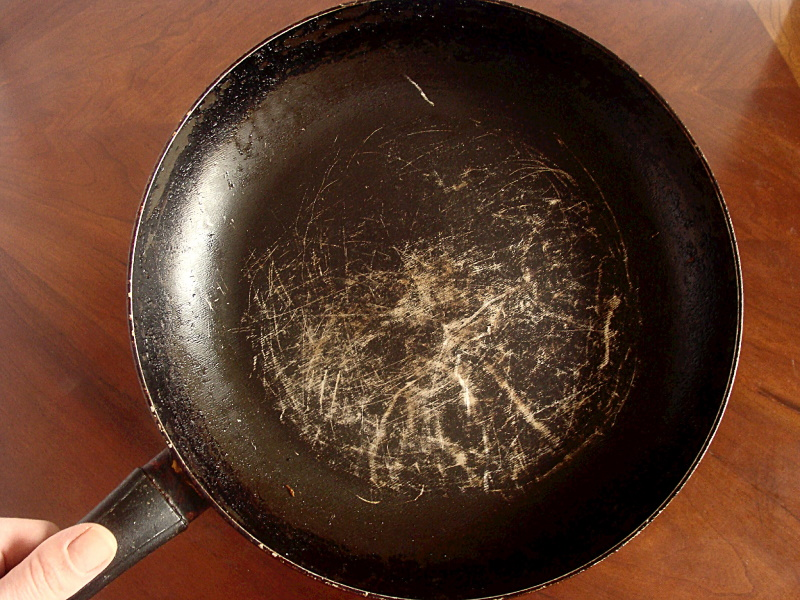 scratches-on-pan